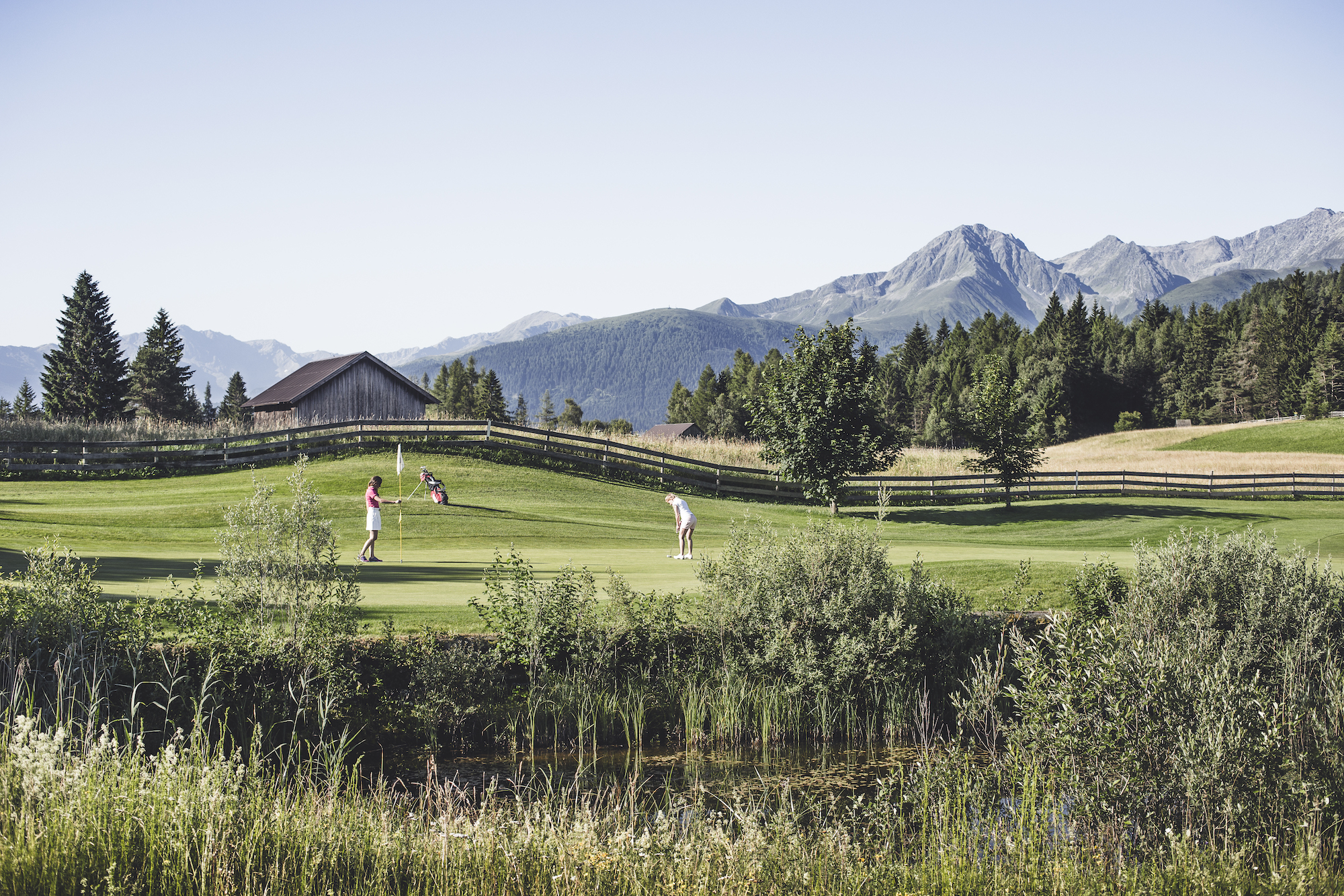 Golf_Partie_mit_Panorama_Seefeld_Reith_Stephan_Elsler